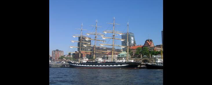 HH_Hafengeburtstag_AdlerSchiffe